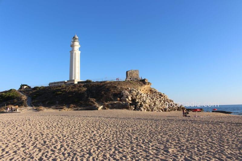 Faro de Trafalgar visto desde la playa