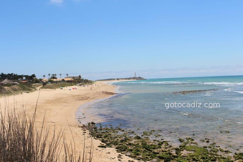Vistas de la playa de Zahora y del Faro de Trafalgar desde Amarna