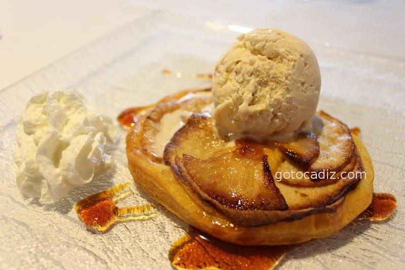 Tarta de manzana del restaurante Antonio en Zahara