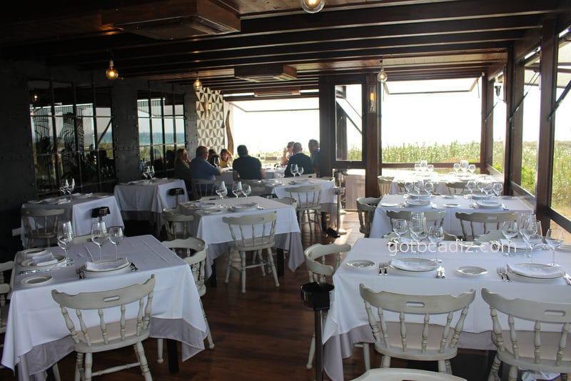 Terraza del restaurante Antonio en Zahara 2/4