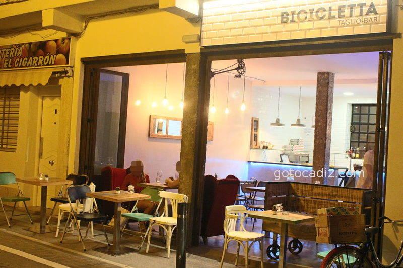 Fachada de la Bicicletta Taglio-Bar