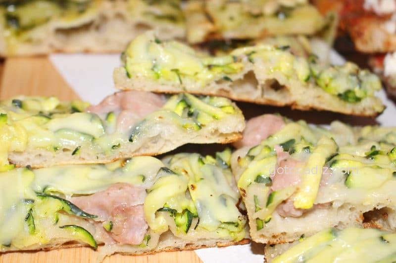 Pizza de calabacín, jamón y queso de la Bicicletta Taglio-Bar