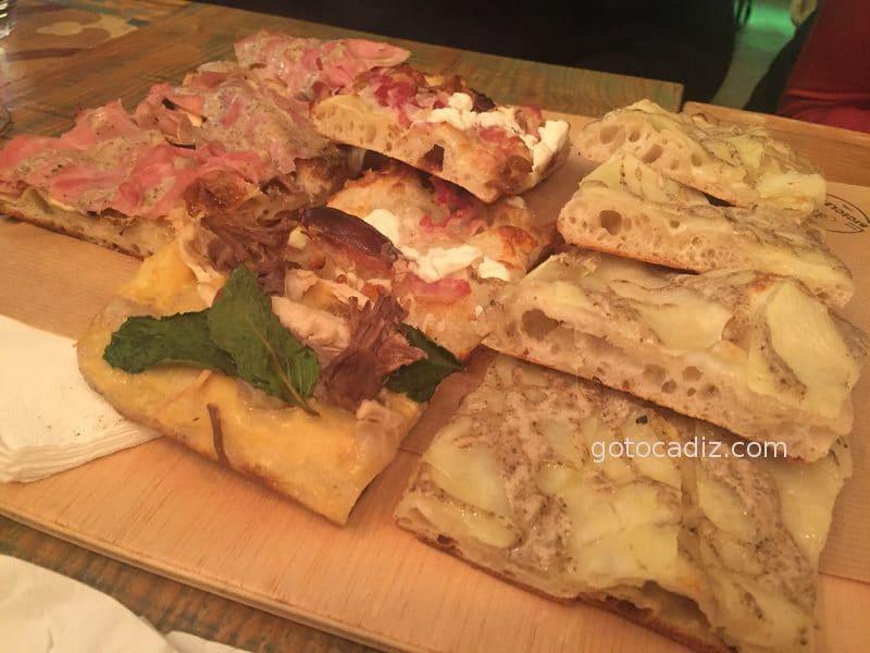 Surtido de pizzas de la Bicicletta Taglio-Bar 2/3