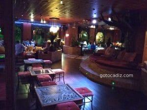 Interior del Café Saigón Sanctipetri 1/7