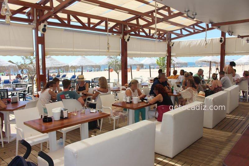 Chiringuito Marimba en la playa Victoria Cadiz