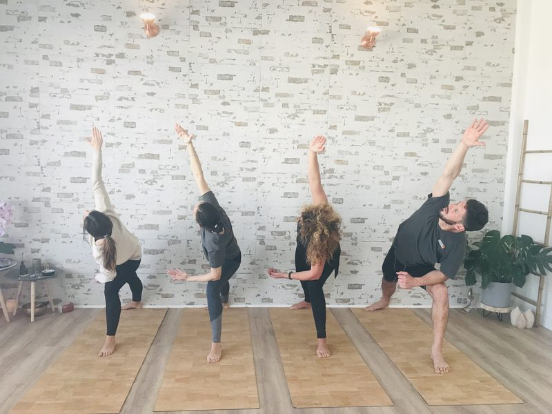 Clase de yoga en Vejer en Yin & Yang Yoga Studio