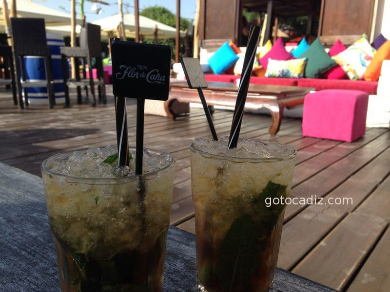 Mojitos en la terraza colorida del 2016