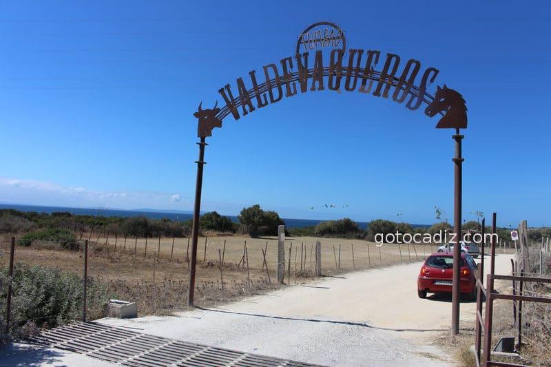 Cartel de bienvenida a Valdevaqueros