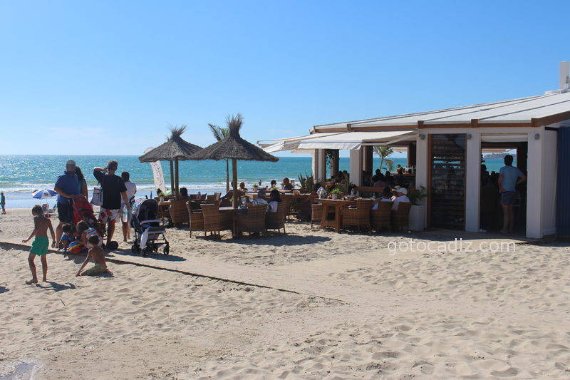 Feduchy Playa ¡uno de los mejores chiringuitos de Conil!