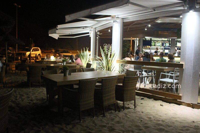 Terraza del Feduchy Playa por la noche