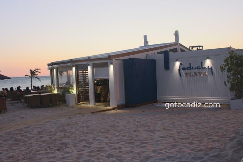 Chiringuito Feduchy Playa en la playa de La Fontanilla