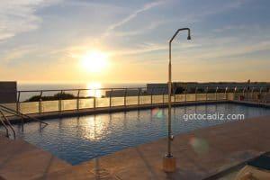 Hotel Costa Conil ¡con piscina en el ático!