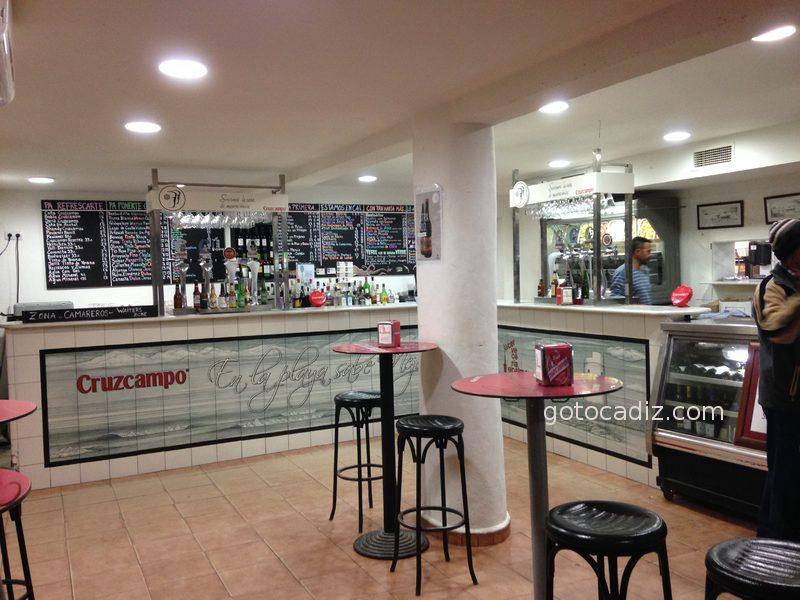 Interior de la cervecería en El Palmar