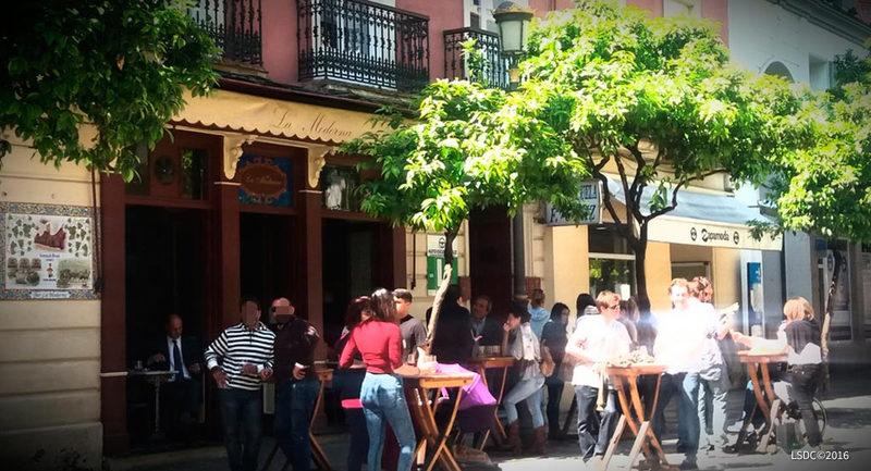 Bar La Moderna en la Calle Larga en Jerez