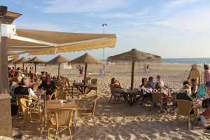Playa de La Fontanilla en Conil ¡playa con buenos restaurantes!