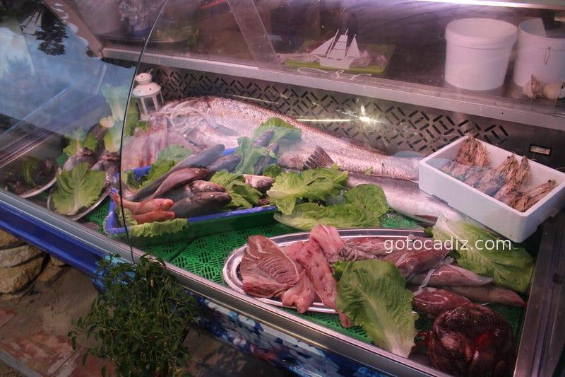 Expositor de pescado del Mar y Monte