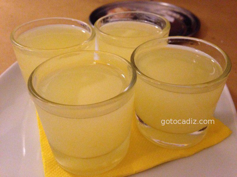 Chupitos de limoncello de La Dolce Vita El Palmar (Vejer)