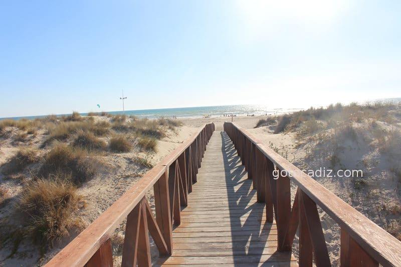 Acceso a la playa de Cortadura