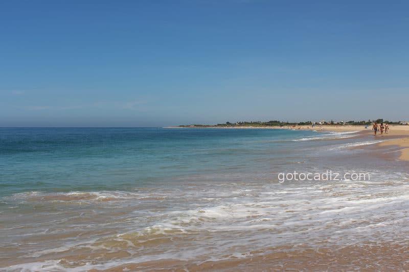 Aguas traicioneras de la playa del Faro de Trafalgar