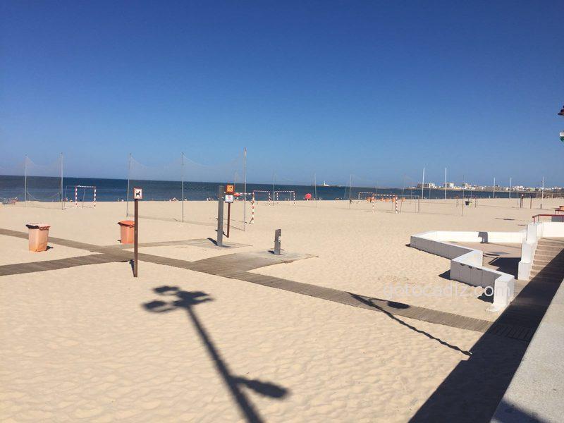 Porterías en la playa Victoria