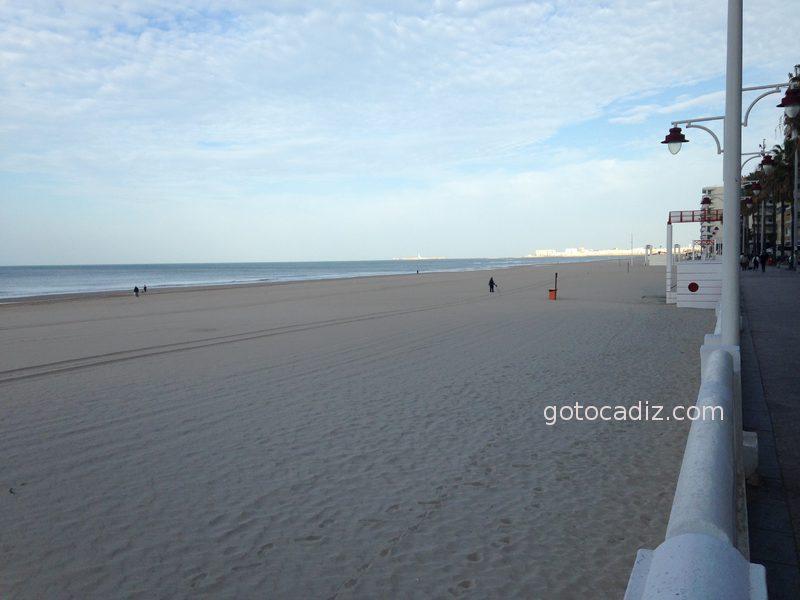 La Playa Victoria fuera de temporada