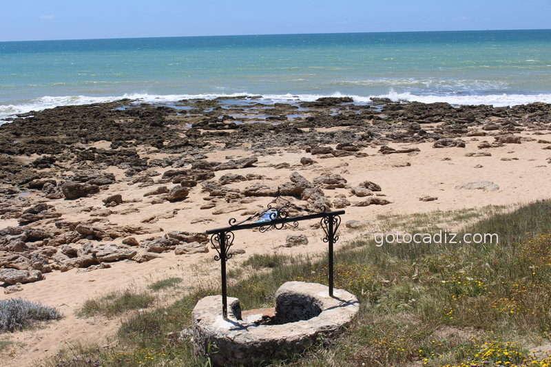 Pozo en la misma playa de Zahora
