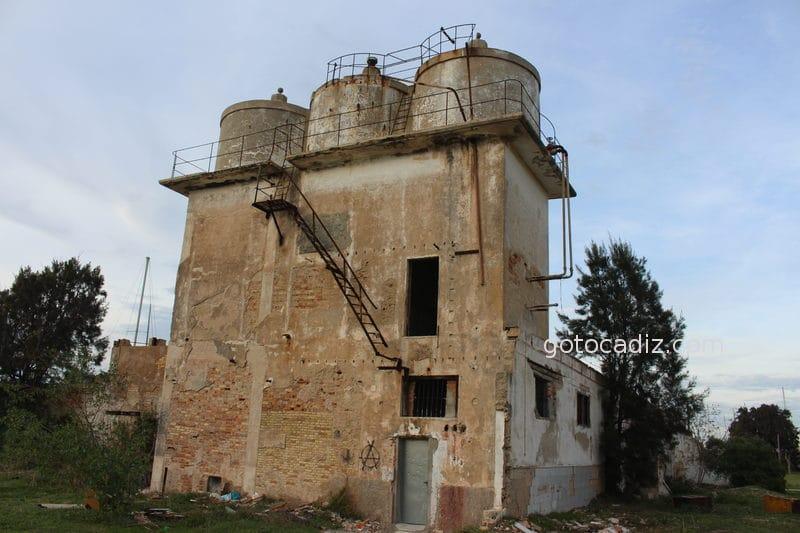 Depósitos de agua del poblado de Sanctipetri