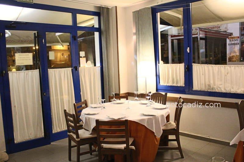 conil restaurante casa mercedes comedor mesa redonda