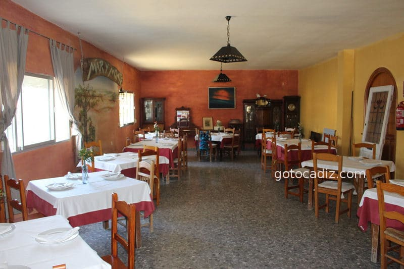 restaurante mar y monte comedor
