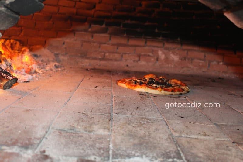 restaurante mar y monte pizza horno leña