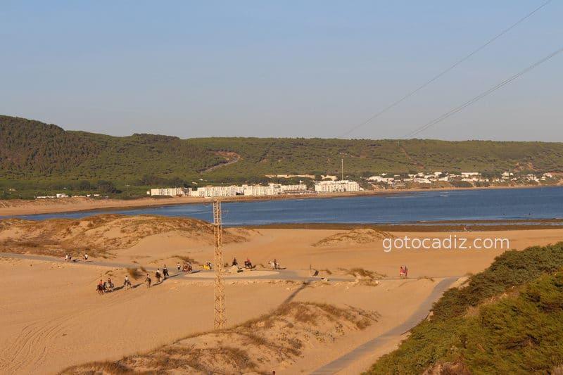 Vista de la playa de la Aceitera y de Los Caños desde el faro de Trafalgar